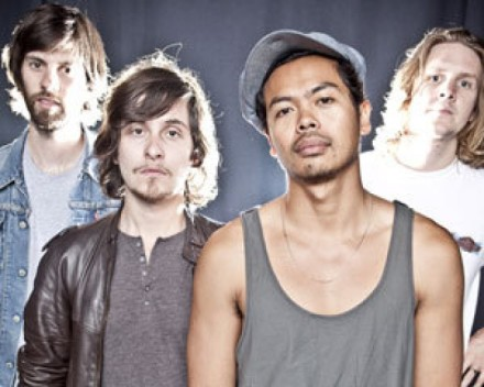 The-Temper-Trap-1-e1331160317727