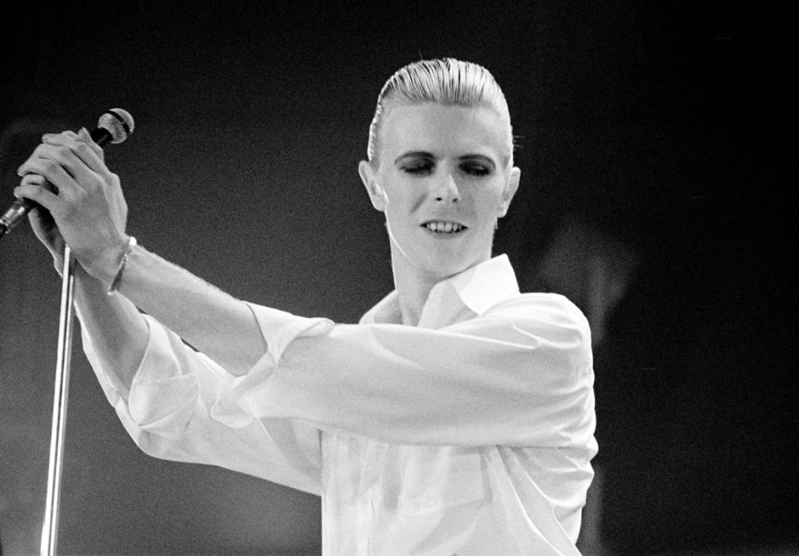 COPENHAGEN, DENMARK - APRIL 29: David Bowie performs on stage on the Station To Station world tour in his Thin White Duke era at the Falkoner Teatret on April 29th, 1976 in Copenhagen, Denmark. (Photo by Jorgen Angel/Redferns)